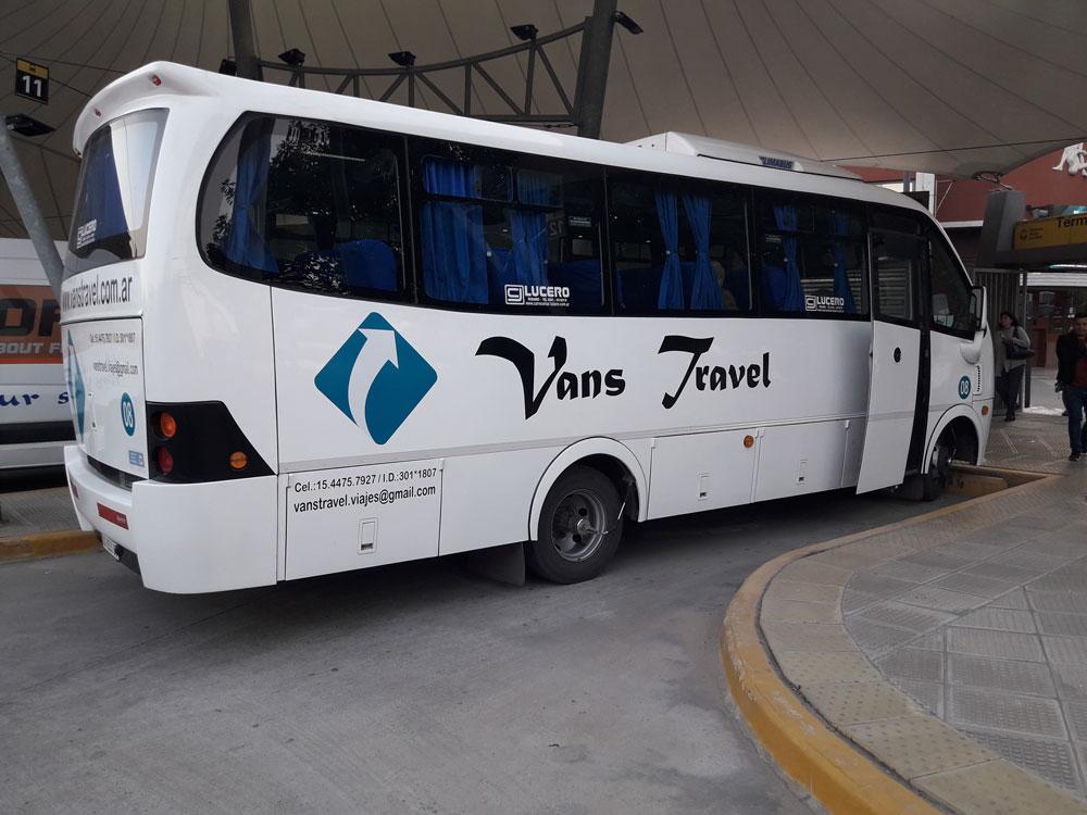 vans_travel-unidades_bus_23_pax-exterior-03